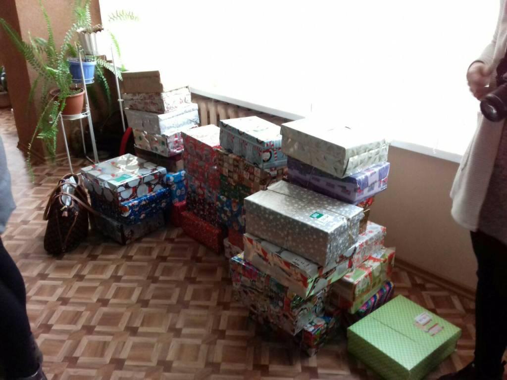 Різдво в коробках: діти з Кіровоградщини отримали подарунки від волонтерів з Ісландії. ФОТО - 10 - Благодійність - Без Купюр