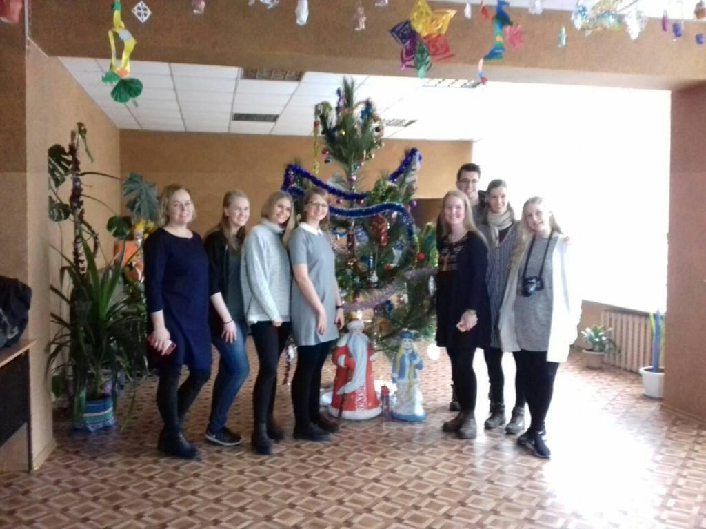 Різдво в коробках: діти з Кіровоградщини отримали подарунки від волонтерів з Ісландії. ФОТО - 7 - Благодійність - Без Купюр