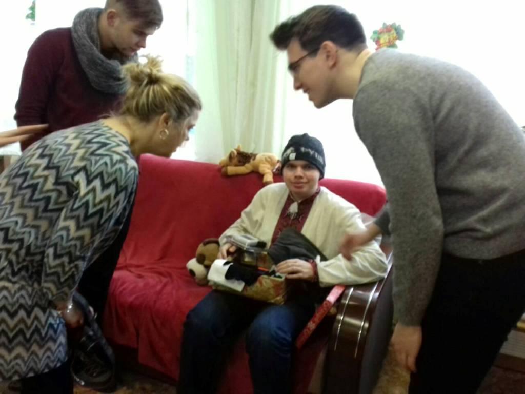 Різдво в коробках: діти з Кіровоградщини отримали подарунки від волонтерів з Ісландії. ФОТО - 4 - Благодійність - Без Купюр