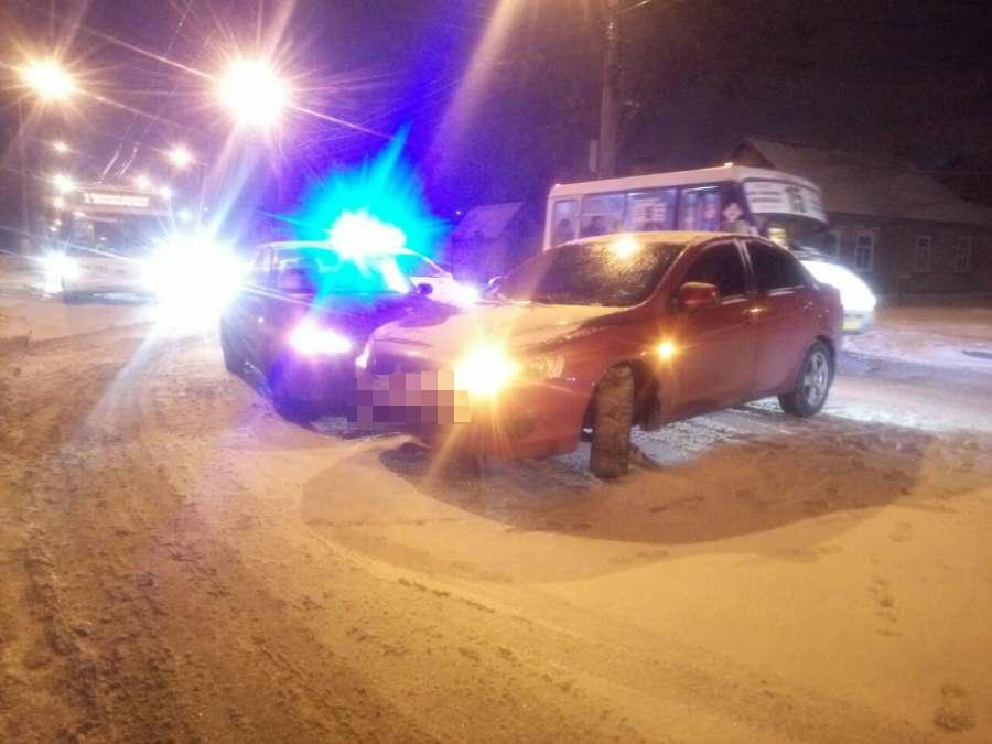 Без Купюр На дорогах Кропивницького за минулу добу сталося дві ДТП. ФОТО За кермом  негода Кропивницький ДТП