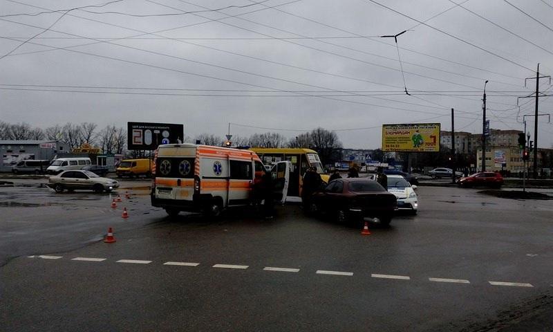Без Купюр Кропивницький - За кермом - ДТП із постраждалими: у Кропивницькому маршрутка зіткнулась із Daewoo. ФОТО Фотографія 3