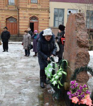 У Кропивницькому вшанували жертв Голокосту. ФОТО