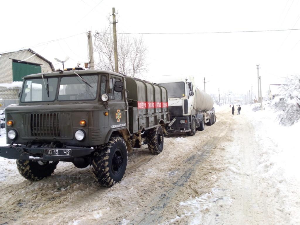 Під час снігопадів рятувальники Кіровоградщини 74 рази виїздили на допомогу водіям. ФОТО 3 - Події - Без Купюр