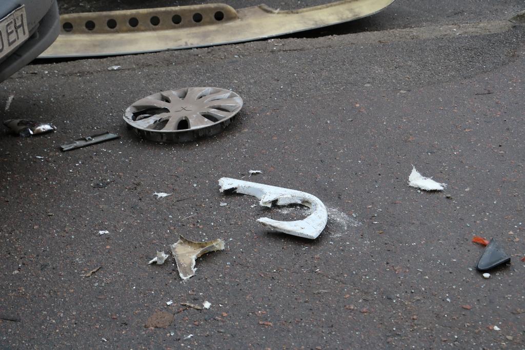 У Кропивницькому легковик зіткнувся з автобусом. ФОТО - 6 - Події - Без Купюр