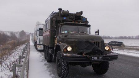 Через погіршення погоди на дорогах Кіровоградщини застрягло 4 транспортні засоби. ФОТО