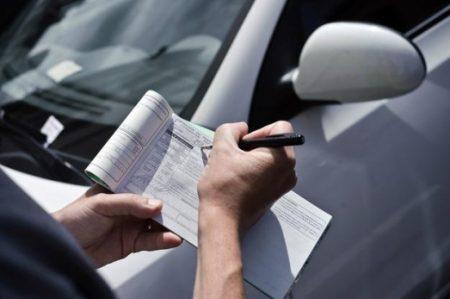 ПДР порушують не тільки водії: у Кропивницькому патрульні зупинили пішохода. ФОТО
