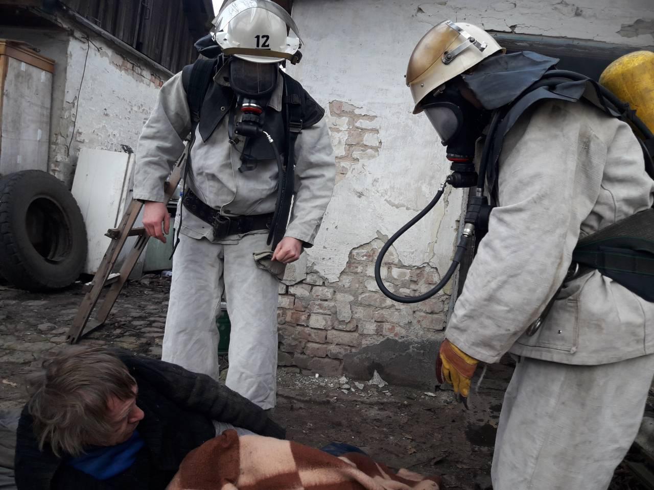 Без Купюр На Кіровоградщині пожежники врятували чоловіка. ФОТО Події  пожежа Олександрія