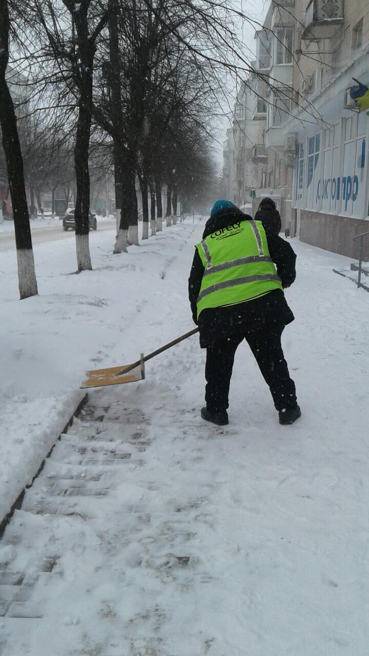 Де та як розчищають дороги в Кропивницькому. ФОТО 1