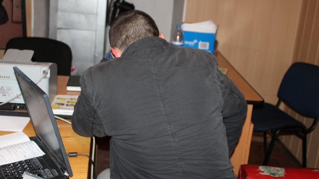Без Купюр У Кропивницькому поліція розшукала чоловіка, який викрав скриньку «Армія SOS». ФОТО Події  Кропивницький волонтери Армія SOS