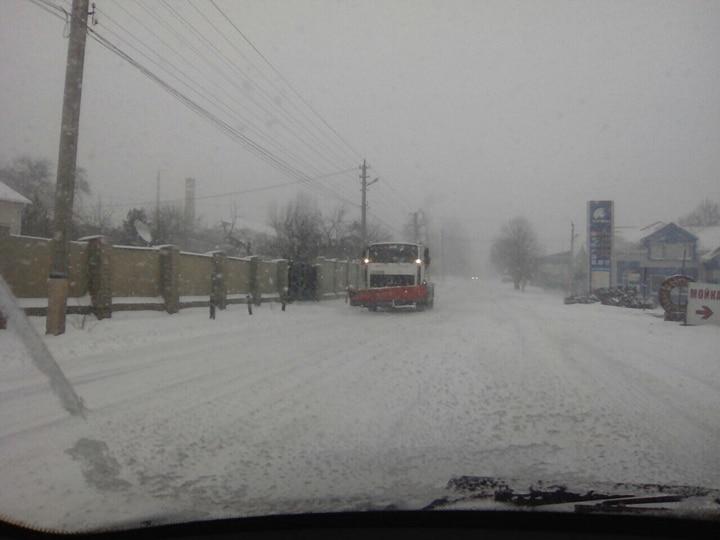 Де та як розчищають дороги в Кропивницькому. ФОТО 8