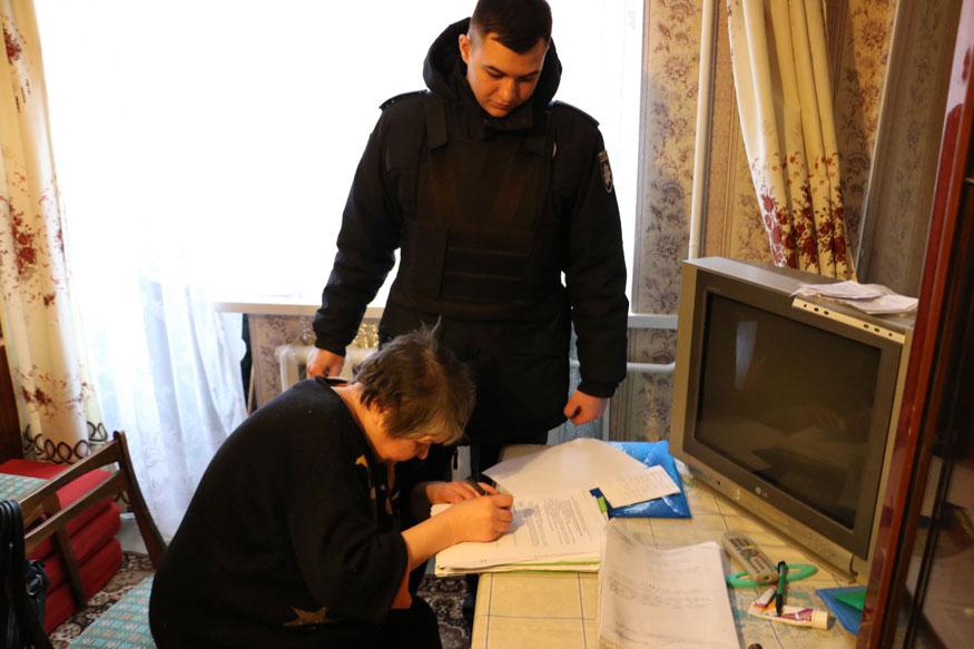 Без Купюр У Кропивницькому ймовірні шахраї виселили з квартири 72-річну жінку. ФОТО Головне Життя  шахраї Кропивницький