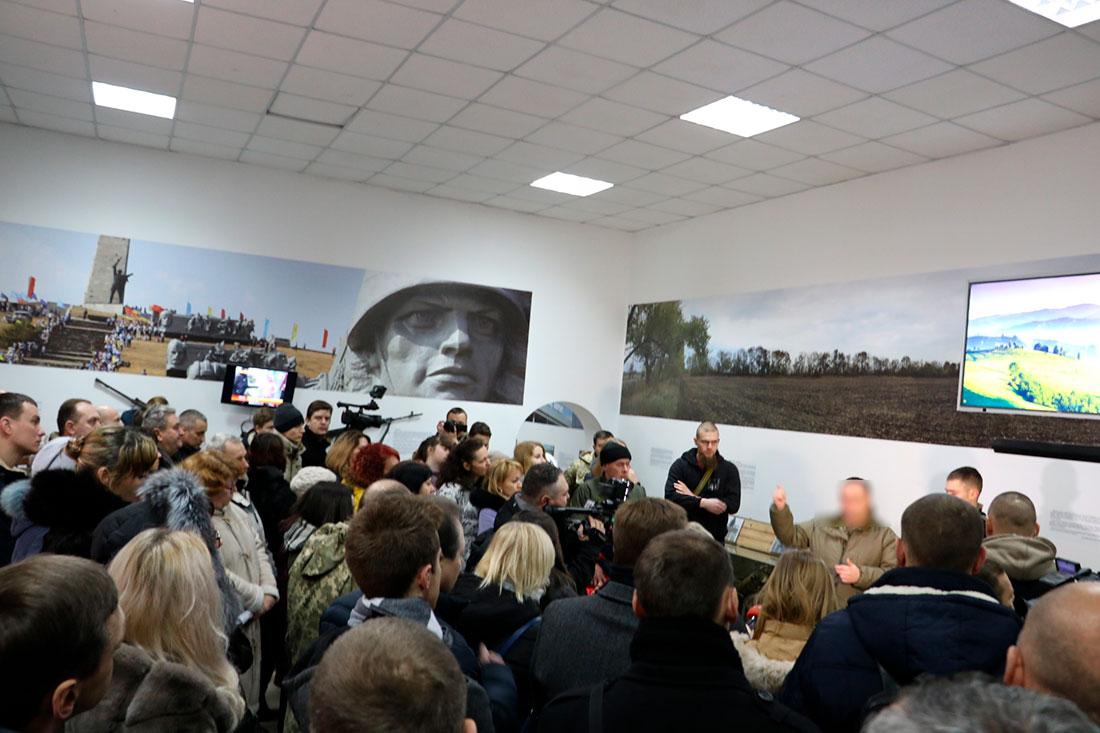 Без Купюр В музеї кіборгів увічнили відмову спецпризначенців Януковичу у розгоні Євромайдану. ФОТО, ВІДЕО Війна  музей 3-го полку Кропивницький 3 полк