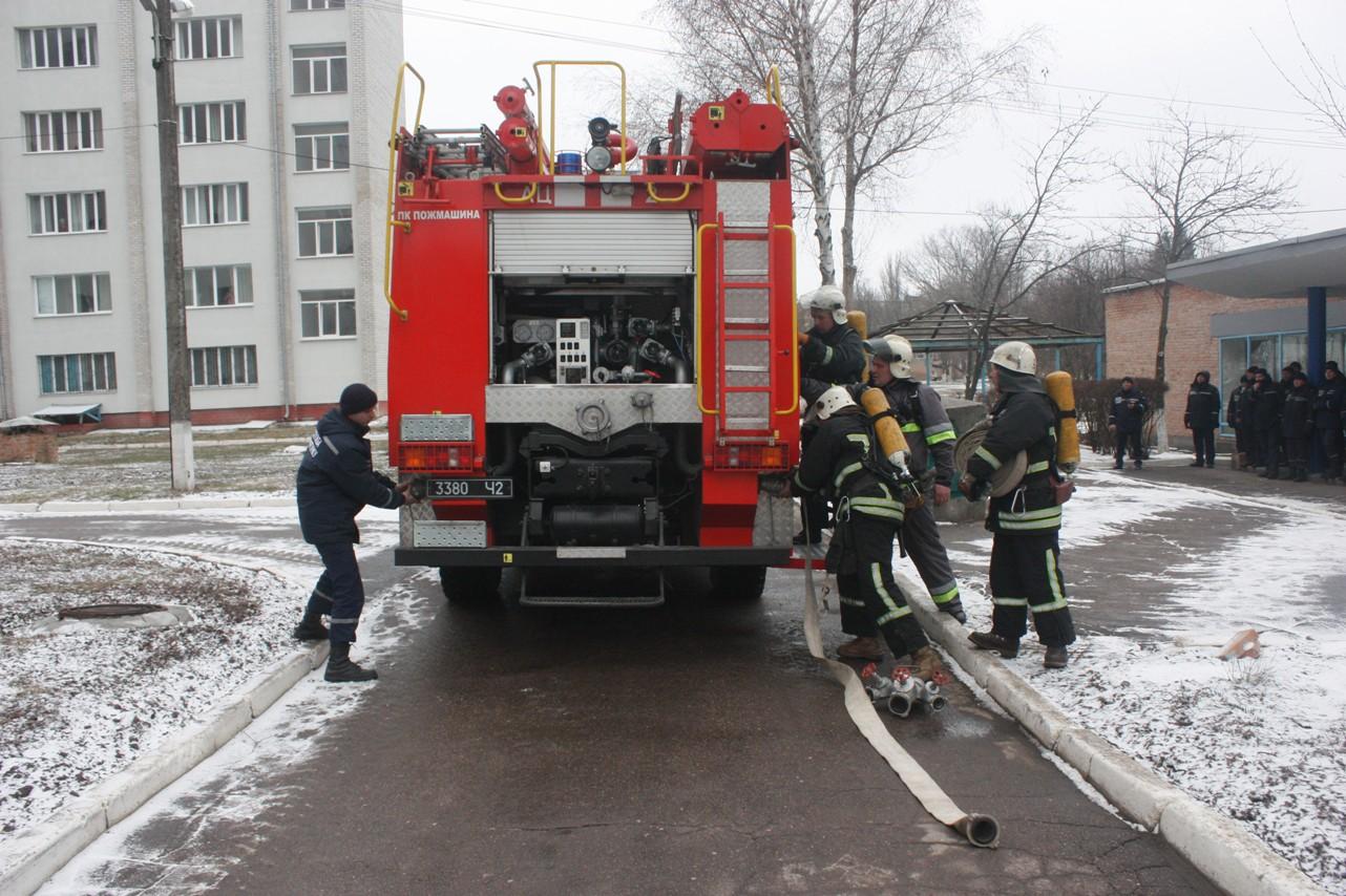 У обласній лікарні провели масштабні тренування з ліквідації наслідків пожежі. ФОТО 1