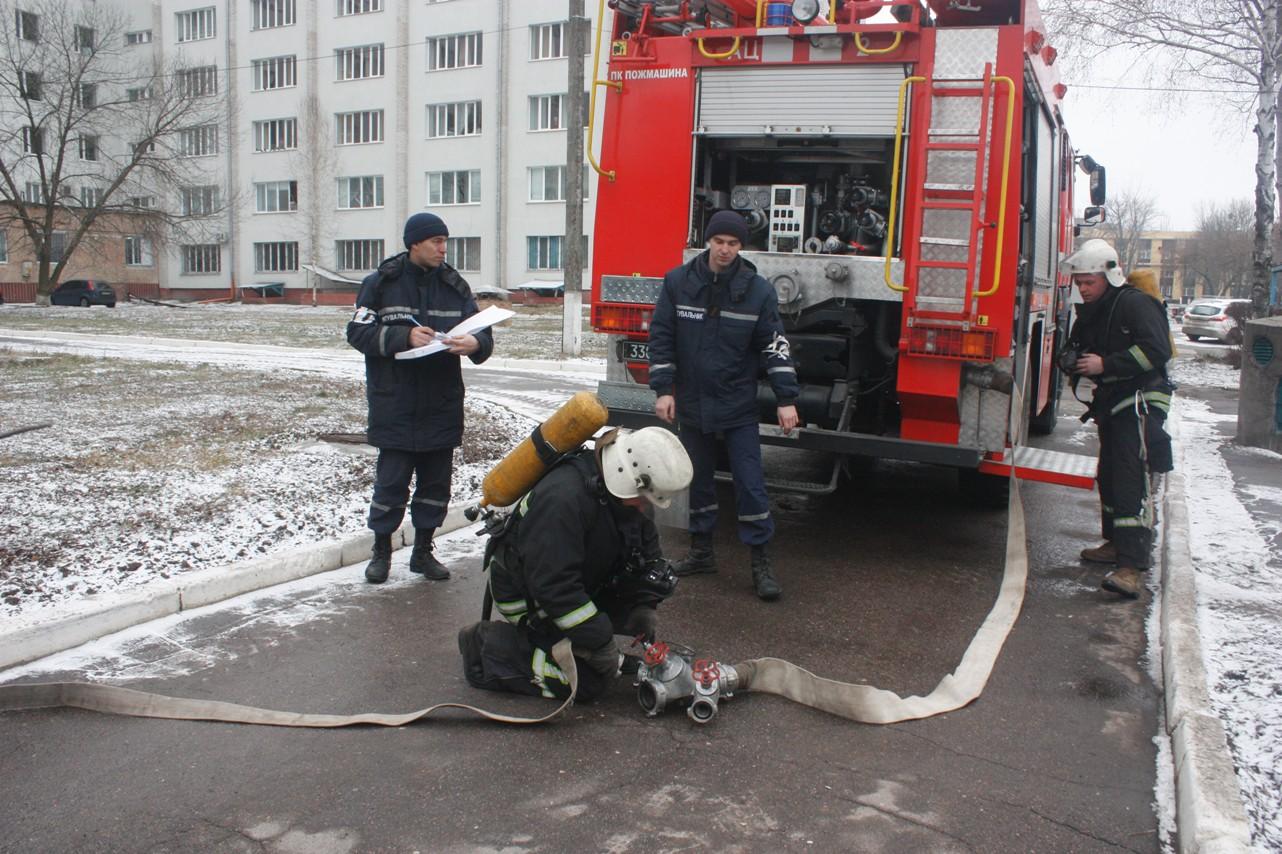 У обласній лікарні провели масштабні тренування з ліквідації наслідків пожежі. ФОТО 2