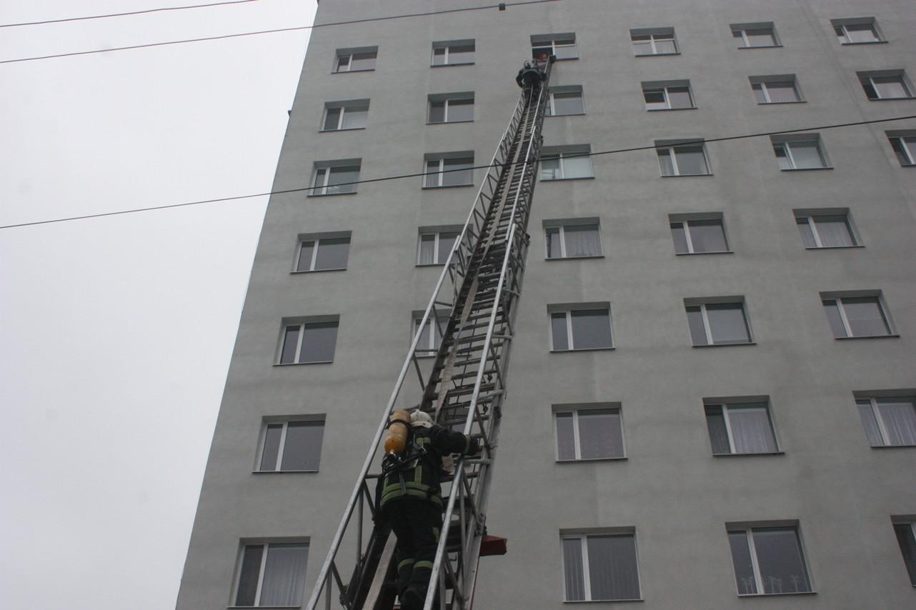 У обласній лікарні провели масштабні тренування з ліквідації наслідків пожежі. ФОТО 5