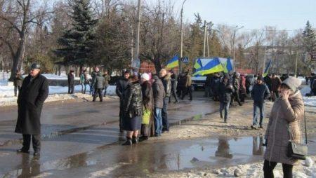 Трасу Київ-Знам'янка перекрили мешканці Сміли. ФОТО