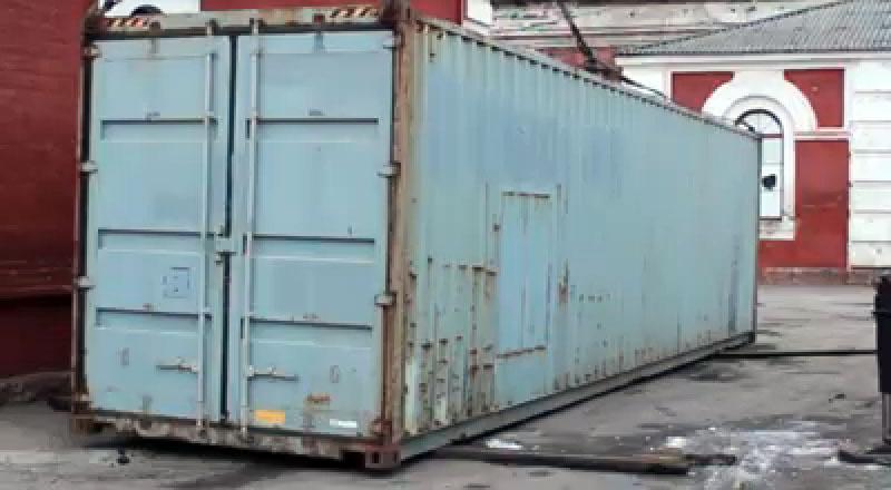 Бійці третього полку отримали вантажний контейнер для переобладнання під житловий модуль. ВІДЕО