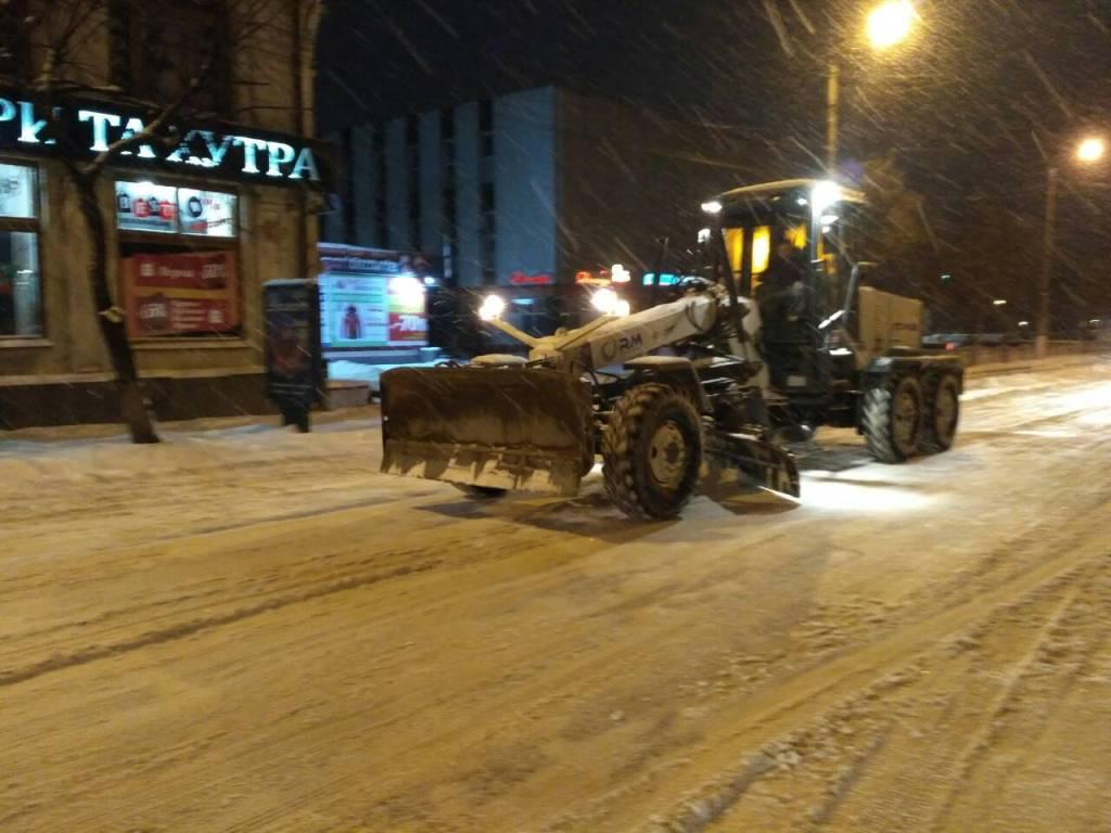 Де у Кропивницькому всю ніч і ранок розчищали дороги. ФОТО - 14 - Події - Без Купюр