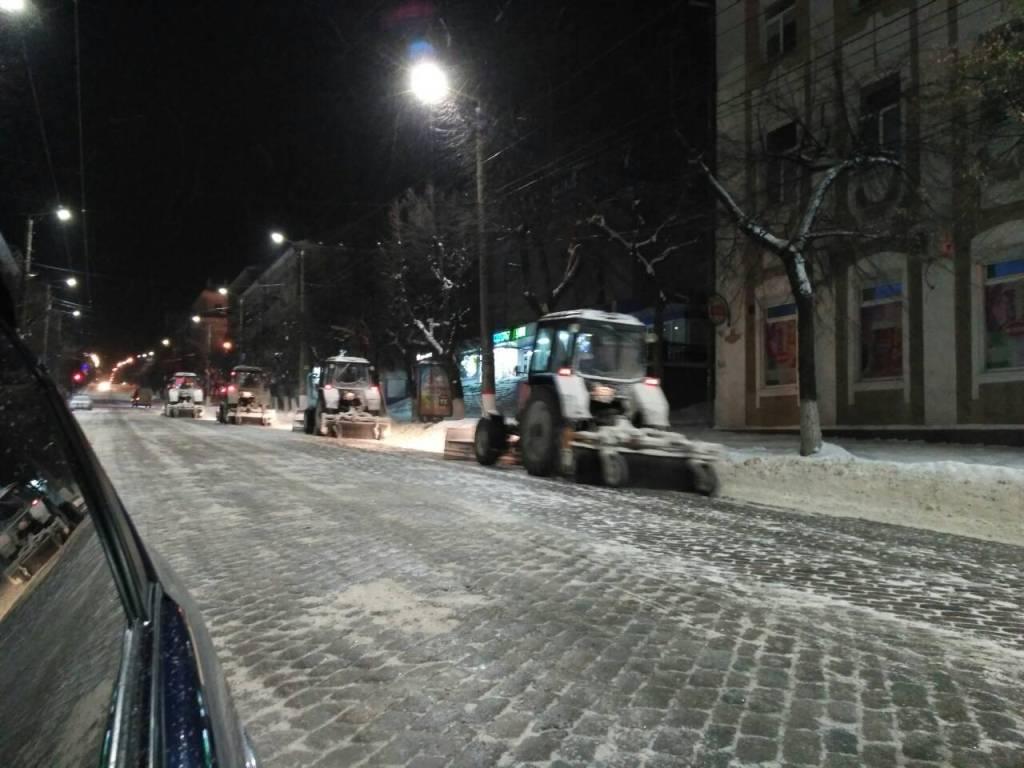 Де у Кропивницькому всю ніч і ранок розчищали дороги. ФОТО - 9 - Події - Без Купюр