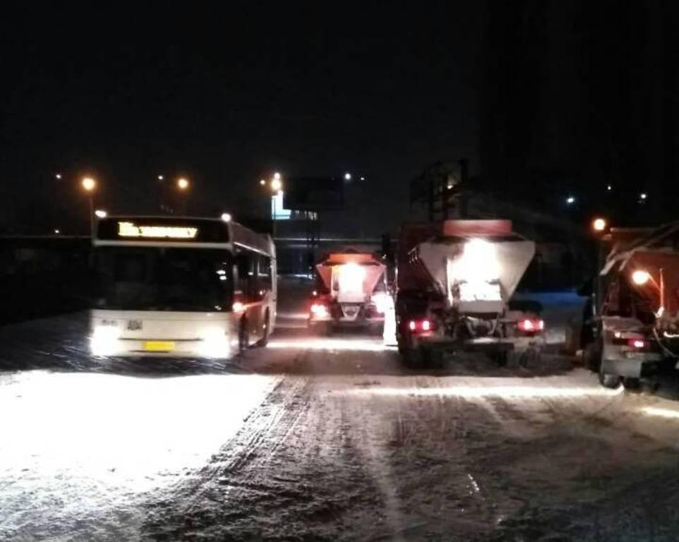 Де у Кропивницькому всю ніч і ранок розчищали дороги. ФОТО - 18 - Події - Без Купюр