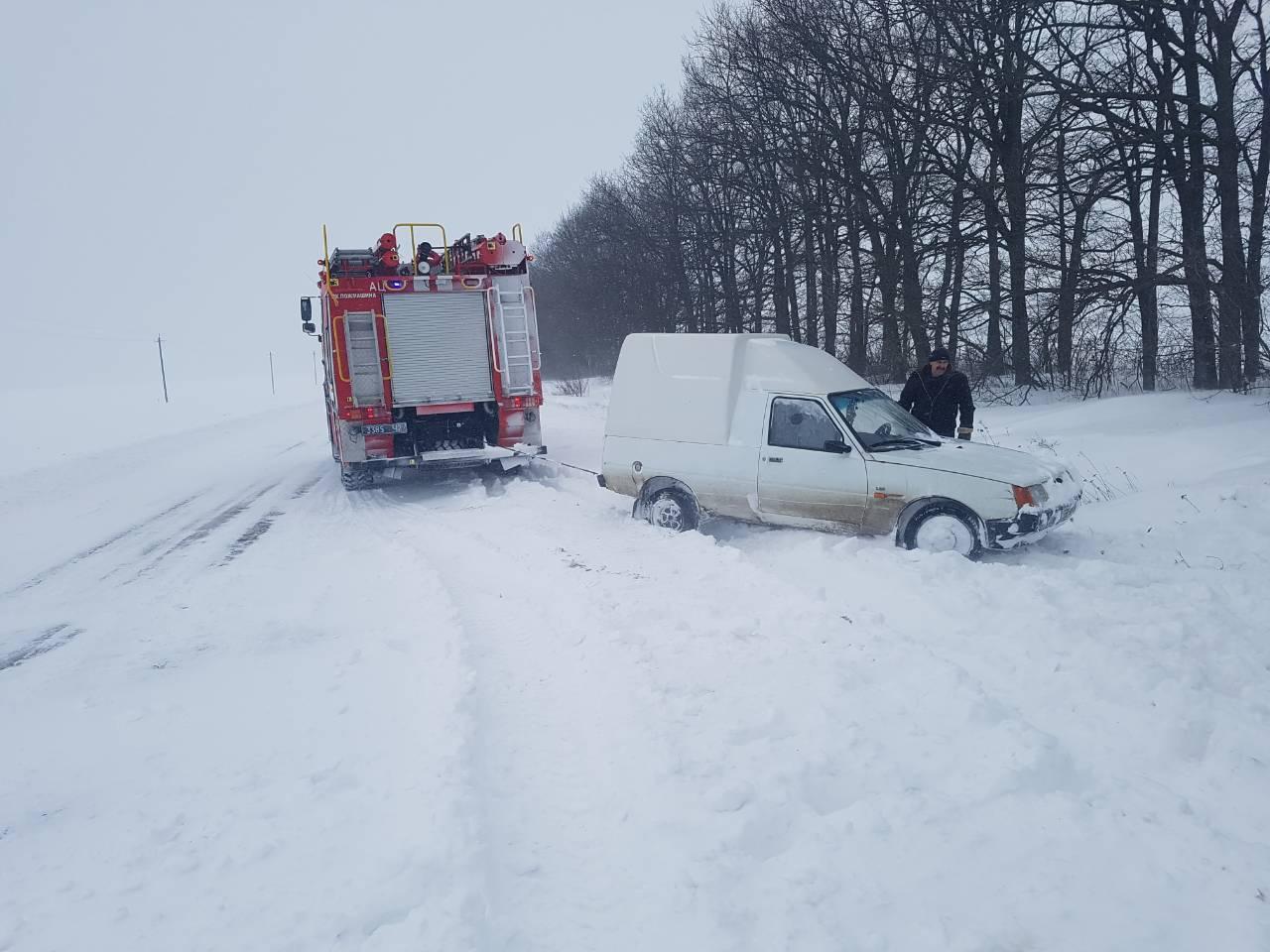 Рятувальники Кіровоградщини вже витягнули з заметів майже 200 автомобілів. ФОТО - 1 - Життя - Без Купюр