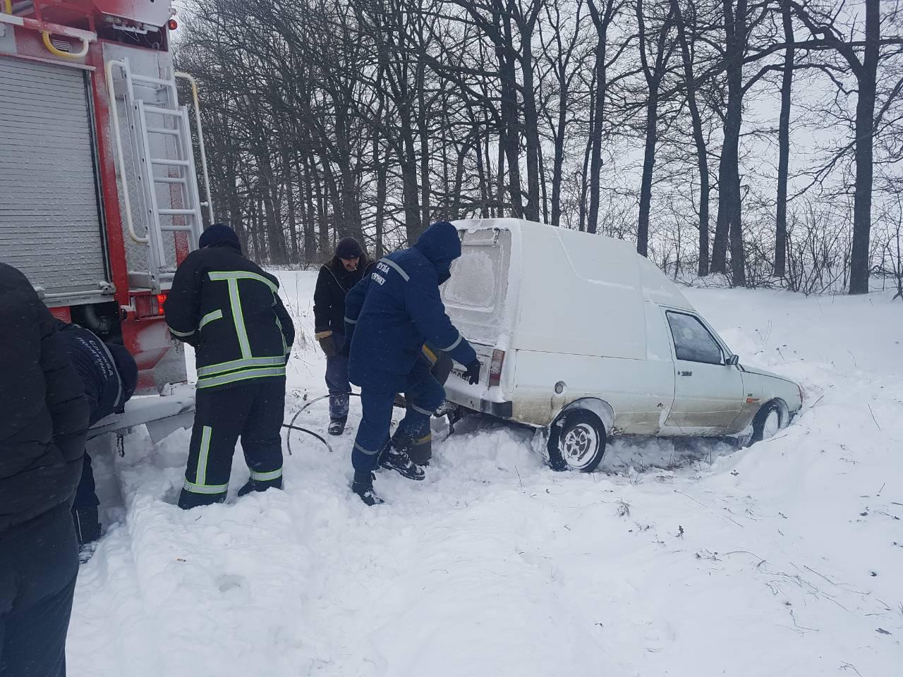 Рятувальники Кіровоградщини вже витягнули з заметів майже 200 автомобілів. ФОТО - 3 - Життя - Без Купюр