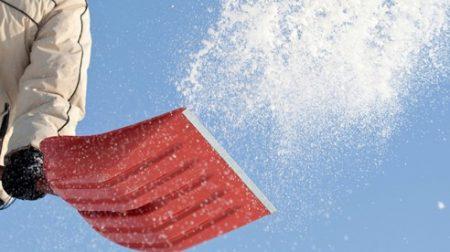 Лопата-challenge: у Кропивницькому закликають допомогти розчистити сніг