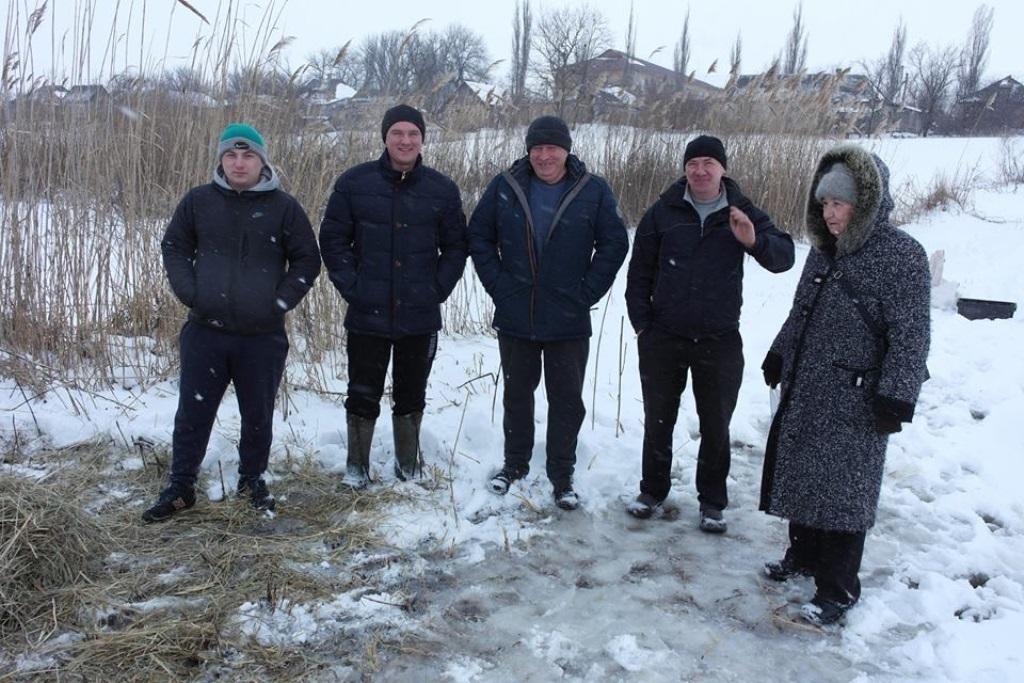 У Новій Празі люди допомагають лелекам пережити холодну весну. ФОТО - 6 - Життя - Без Купюр