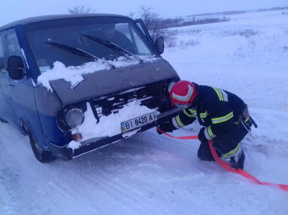 Рятувальники Кіровоградщини вже витягнули з заметів майже 200 автомобілів. ФОТО - 6 - Життя - Без Купюр