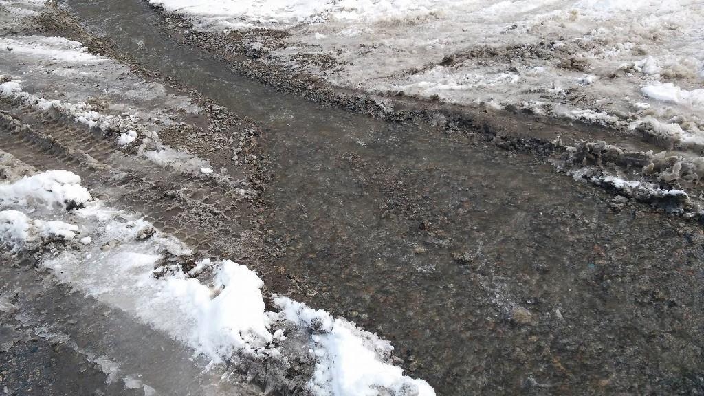 Без Купюр У Кропивницькому через порив ціла вулиця опинилася у воді. ФОТО Події  порив підтоплення Кропивницький