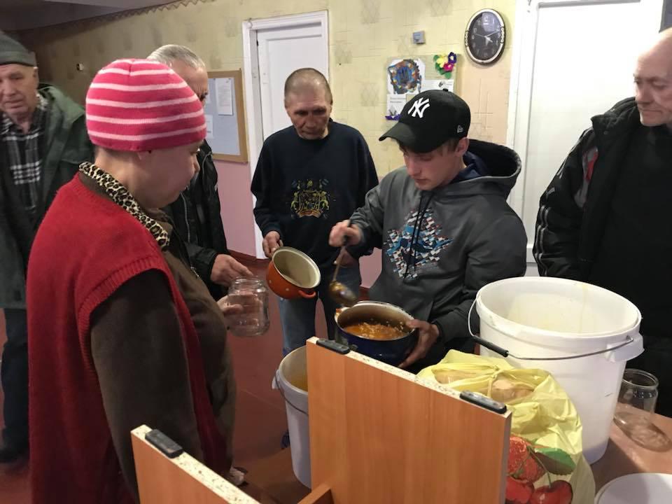 У Кропивницькому мережа кафе допомагає нагодувати безпритульних. ФОТО - 2 - Життя - Без Купюр