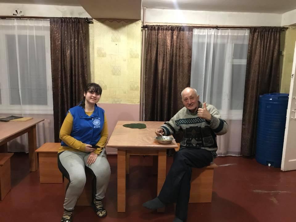 У Кропивницькому мережа кафе допомагає нагодувати безпритульних. ФОТО - 4 - Життя - Без Купюр