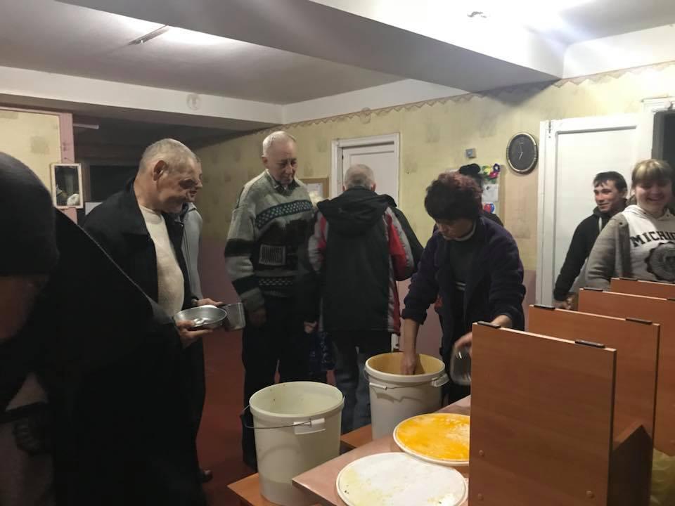 У Кропивницькому мережа кафе допомагає нагодувати безпритульних. ФОТО - 6 - Життя - Без Купюр