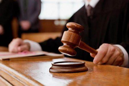 Суд не побачив порушення в діях міського голови Світловодська, який зупинив рішення про відставку секретаря
