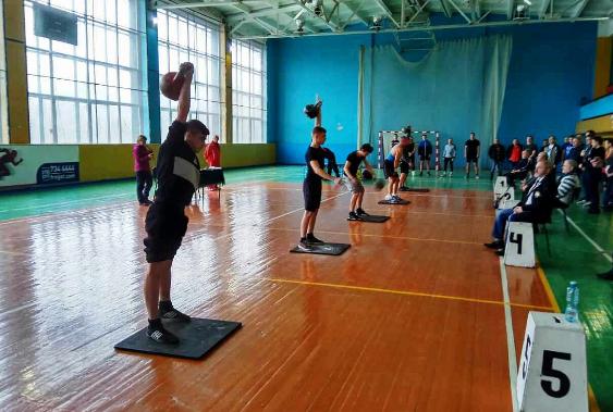 Жонглери гирями з Кропивницького перемогли у всеукраїнському турнірі. ФОТО - 2 - Спорт - Без Купюр