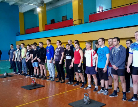 Жонглери гирями з Кропивницького перемогли у всеукраїнському турнірі. ФОТО