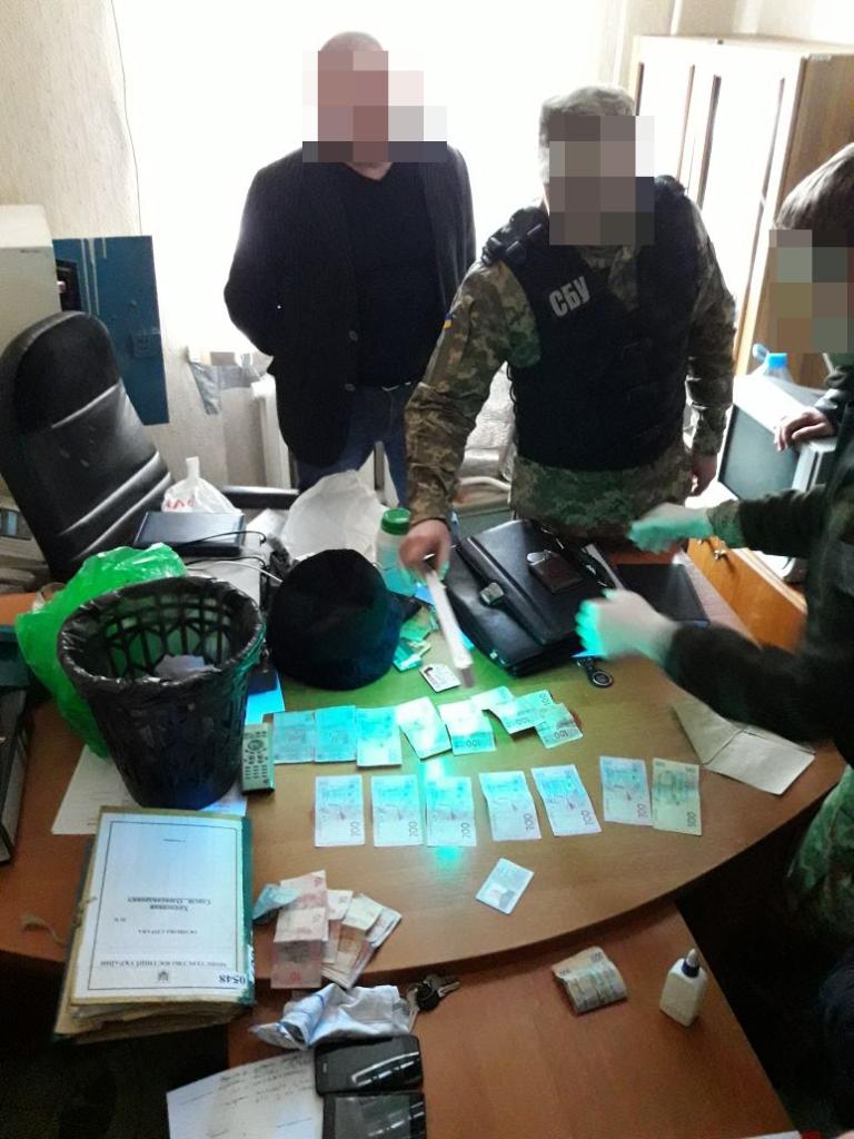 Що відомо про затриманого за підозрою в хабарництві керівника кропивницького виправного закладу. ФОТО 1