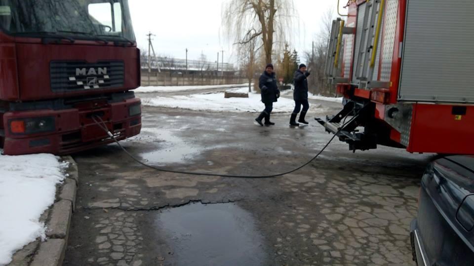 На Кіровоградщині рятувальники відбуксували 14 автомобілів на безпечні ділянки дороги. ФОТО - 2 - Життя - Без Купюр