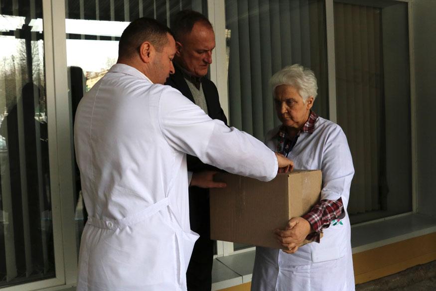 Обласному госпіталю передали ліки для військових від гепатиту С вартістю мільйон гривень. ФОТО. ВІДЕО - 3 - Здоров'я - Без Купюр