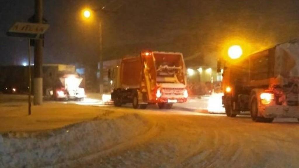 Перебіг ліквідації наслідків снігопаду у Кропивницькому. ФОТО - 6 - Події - Без Купюр