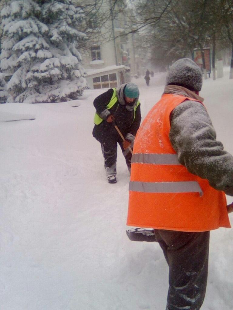 Перебіг ліквідації наслідків снігопаду у Кропивницькому. ФОТО - 11 - Події - Без Купюр
