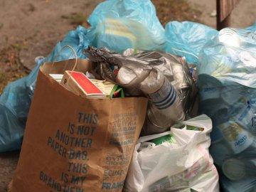 """""""Екостайл"""" просить жителів приватного сектора виносити сміття на розчищені магістральні вулиці"""