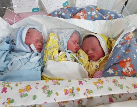 У Кропивницькому в багатодітної родини народилося ще троє малят. ФОТО