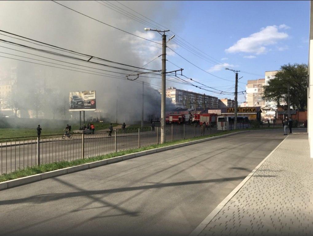 Без Купюр Відео з місця пожежі «Босфору» в Кропивницькому Події  Ринок Босфор пожежа Кропивницький