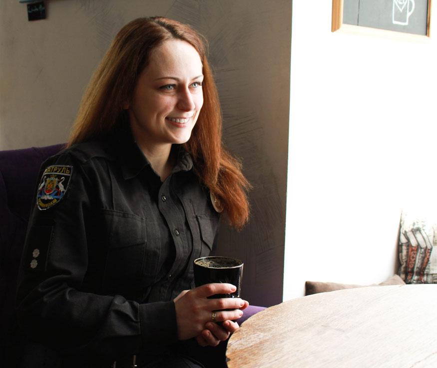 Патрульна з Кропивницького: «У першу чергу ти людина, а потім – поліцейський» - 3 - Життя - Без Купюр