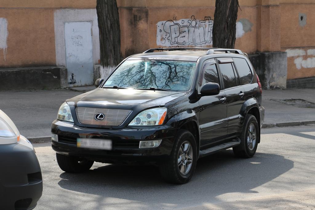У Кропивницькому «Запорожець» в'їхав у «Lexus», постраждала пенсіонерка. ФОТО - 5 - Події - Без Купюр