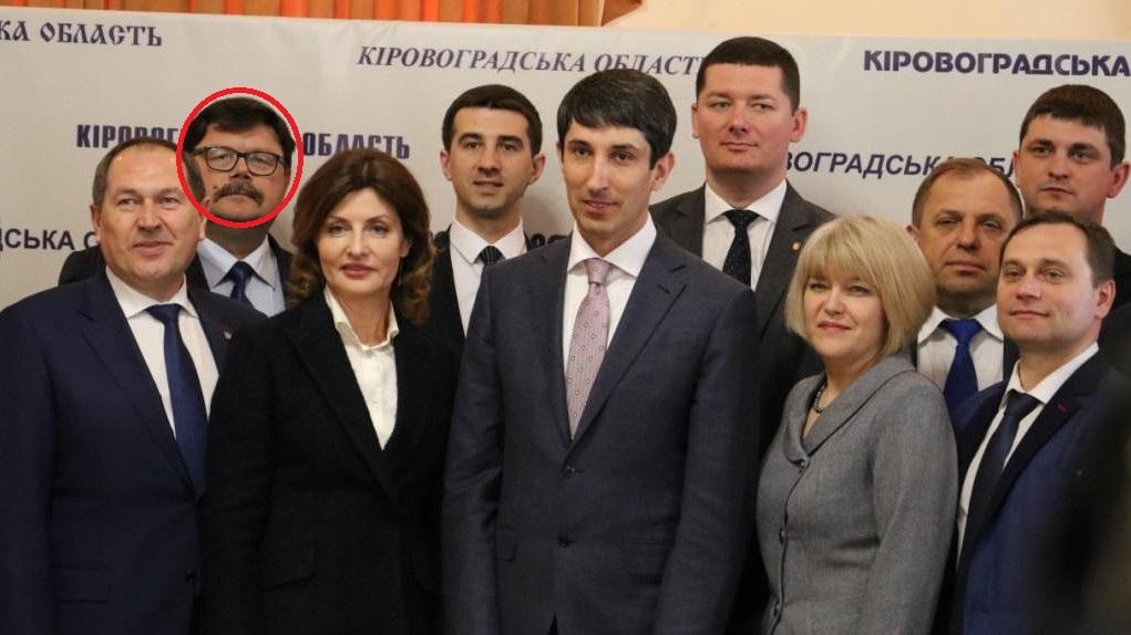 Перший заступник голови Бобринецької РДА, якому інкримінують хабарництво, виконує обов'язки. ФОТО - 1 - Корупція - Без Купюр