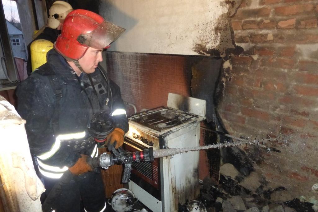 Без Купюр У селищі Новому Кропивницького пожежні врятували 5 людей. ФОТО Життя  селище Нове пожежа Кропивницький