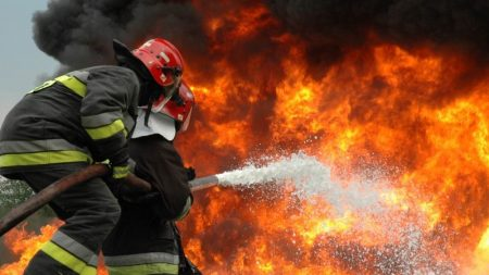 У Голованівську чоловік отримав опіки, намагаючись самотужки загасити пожежу