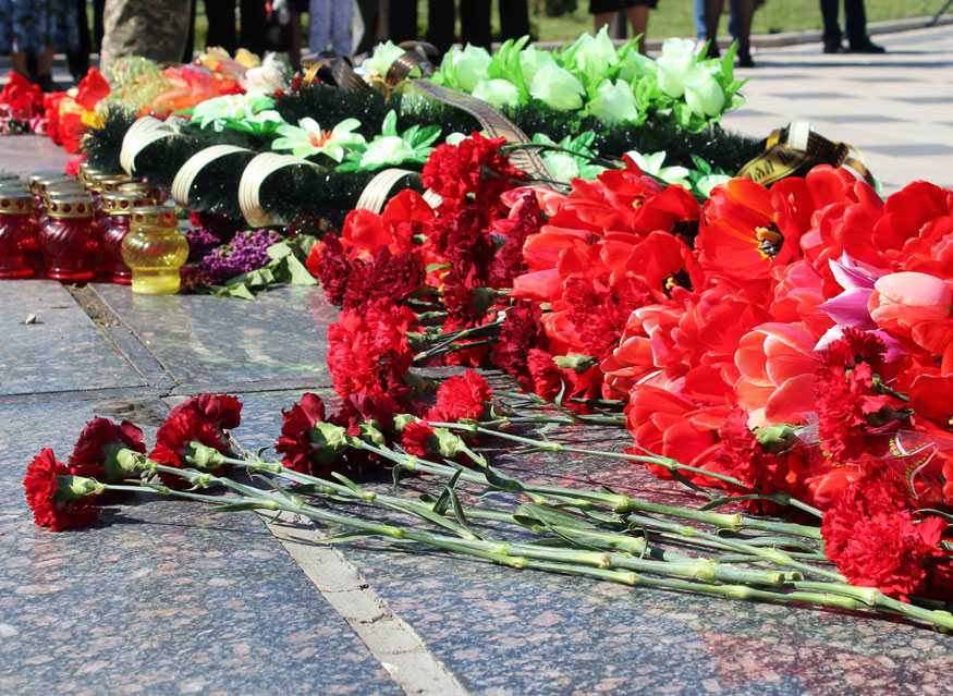 Без Купюр У Кропивницькому вшанували учасників ліквідації наслідків аварії на ЧАЕС Життя  ЧАЕС Кропивницький